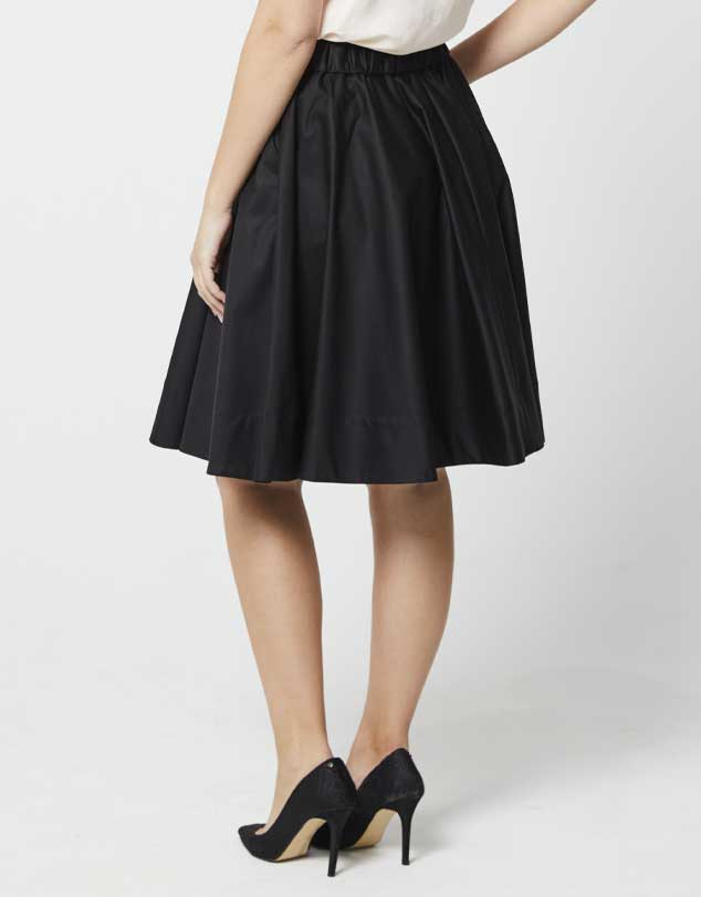 One P Design Round Skirt Black